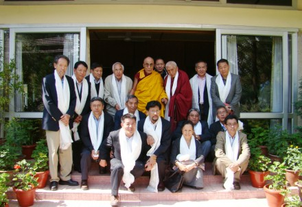 Representatives receive audience with His Holiness the Dalai Lama on Thursday, 15 October 2009. The representatives have gathered in the northern Indian town of Dharamsala to attend a two-day annual meeting from 15-16 October/Tibetonline.TV photo