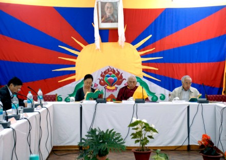 Kalon Tripa Samdhong Rinpoche (c) presides over the inaugural session of a two-day annual meeting of the representatives of His Holiness the Dalai Lama in Dharamsala, India, on Thursday, 15 October 2009/Photo by Tsephel/Tibet Musuem