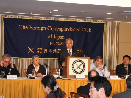 Kalon Tempa Tsering (C) speaks on Tibet related issues during a press conference in Tokyo, Japan, on 1 April 2010. Also seen in the picture are Representative Lhakpa Tshoko (1st R) and  Kasur Jetsun Pema (2nd L)/Photos by Junko Zinzin