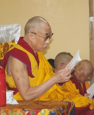 His Holiness the Dalai Lama led the third-week mass prayer for the Kyigudo earthquake victims. Photos / Tibet.Net