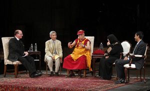 His Holiness speaks during an interfaith dialogue at the Church of St. John the Divine on May 23, 2010 in New York City. Photo/Getty Images