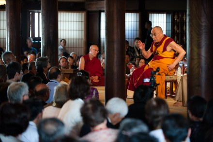 His Holiness the Dalai Lama giving a brief talk on Buddhism to a gathering of 300 devotees at the Saihoji Temple in Nagano, Japan, on 21 June 2010/Photo by Tenzin Choejor/OHHDL