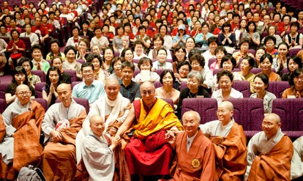 His Holiness the Dalai Lama with around 500 Korean monks and laity in Yokohama, Japan, on 27 June 2010