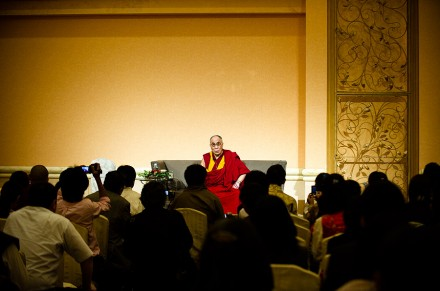 His Holiness the Dalai Lama addressing Tibetan people and supporters on his final day visit to Japan, 28th June 2010. Photo / Tenzin Choejor /OHHDL