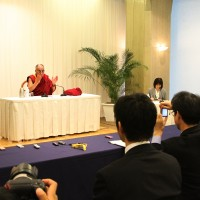 His Holiness the Dalai Lama meeting with the press in Hiroshima, Japan, on 15 November 2010.