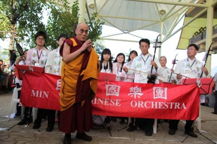 His Holiness being welcomed to the temple by a Taiwanese musical band