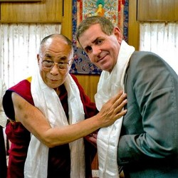 Mr Peter Slipper with His Holiness the Dalai Lama at Dharamshala. (file photo)