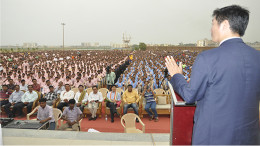 Sikyong Dr. Lobsang Sangay speaking to over 25,000 students in Kalinga Institute of Social Sciences based in Bhubaneshwar, 5 April 2015.